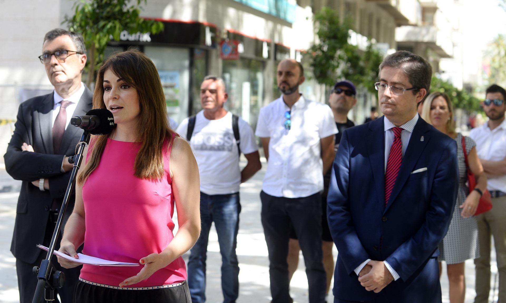 """Pérez critica que el PSOE """"siga con menesteres que no son ahora prioritarios"""""""